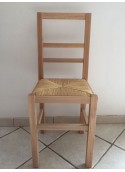 Chaise moderne en hêtre verni naturel