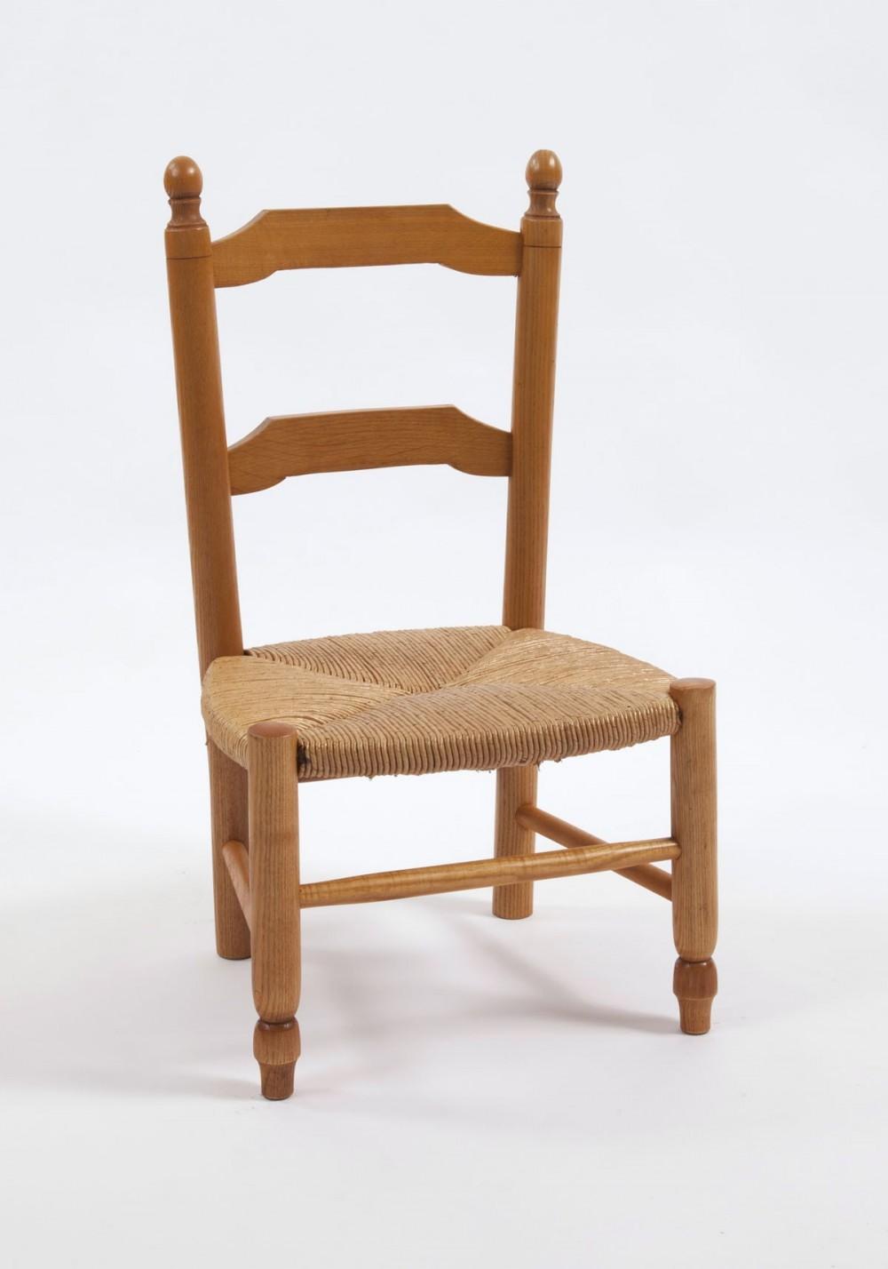 chaise ronde enfant la chaise artisanale. Black Bedroom Furniture Sets. Home Design Ideas